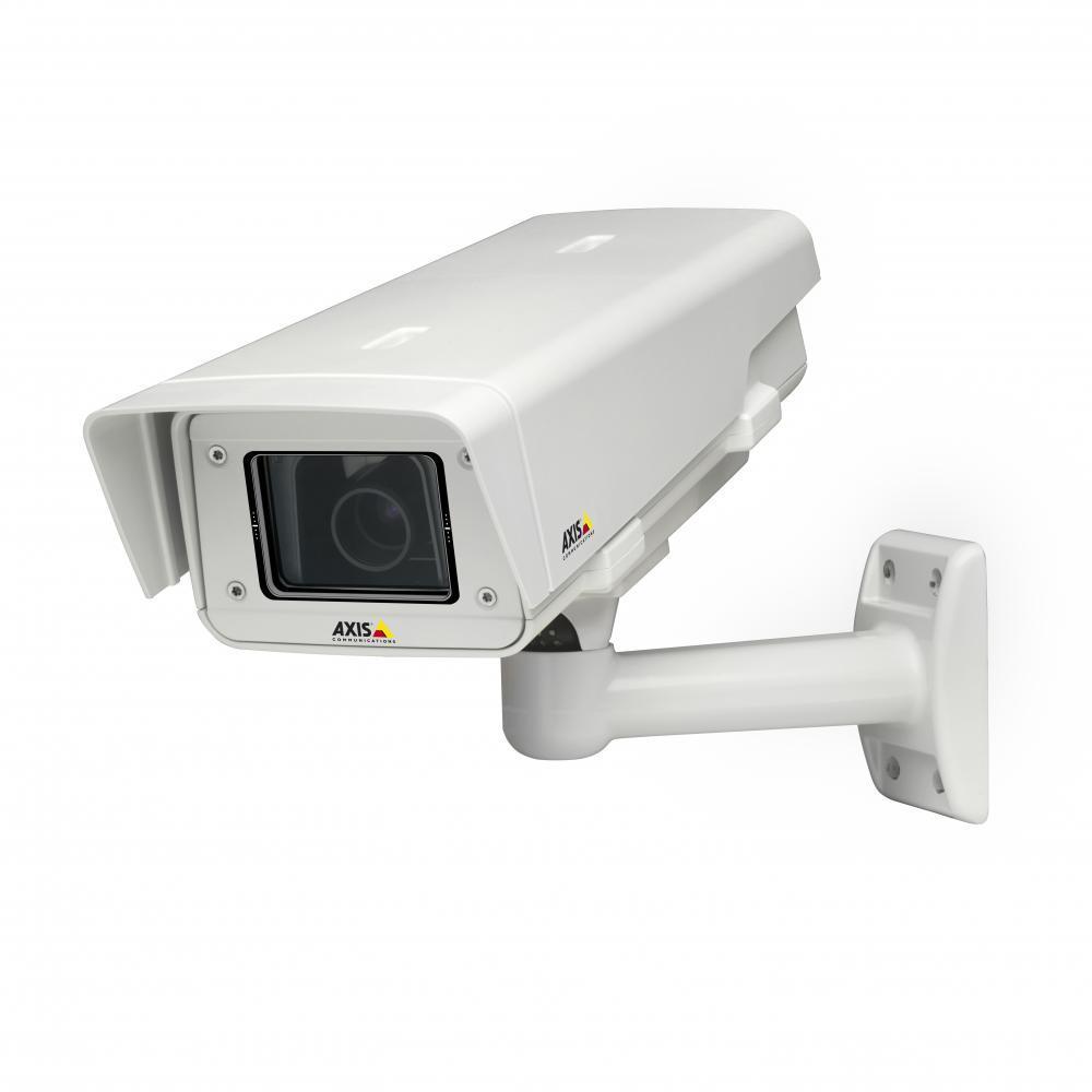 AXIS P1354-E 80°-34° 1,3 Мп, Технология Lightfinder, 1280x960, 25 к/с, 2,8-8 мм, POE, H.264, цифровое PTZ (Двунаправленная передача аудиосигнала, Запись на SD/SDHC карточку)